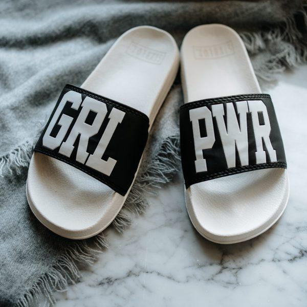 grlpwrmeetsbusiness-shop-schlappen